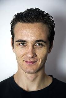 Aktori Alex Jewson