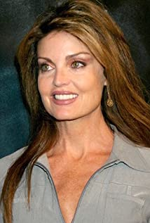 Tracy Scoggins Picture