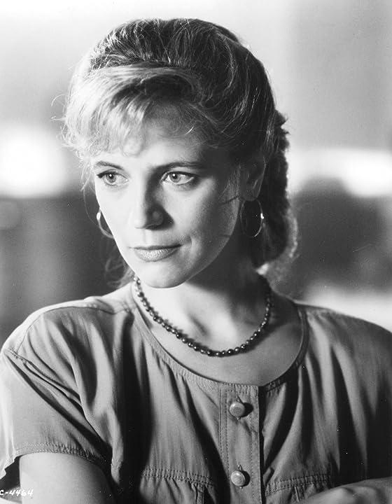Harley Jane Kozak in Necessary Roughness (1991)