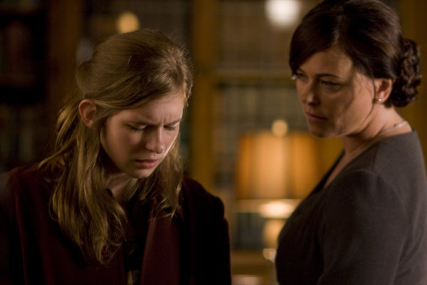 Polly Walker and Magda Apanowicz in Caprica (2009)