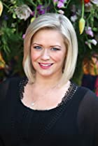 Image of Suzanne Shaw