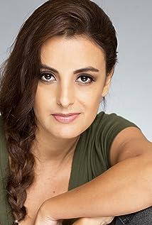 Aktori Ana Ravedutti