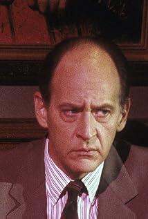 Aktori Earl Boen