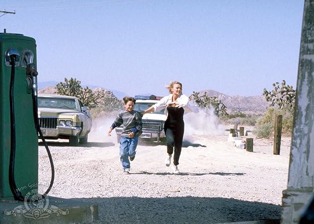 Robbie Thibaut Jr. and Kylie Travis in Retroactive (1997)