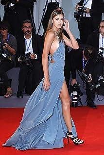 Sistine Rose Stallone Picture