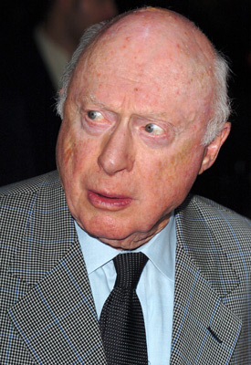 Norman Lloyd at In Her Shoes (2005)
