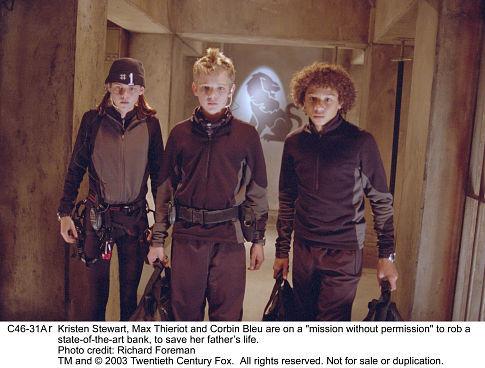 Corbin Bleu, Kristen Stewart, and Max Thieriot in Catch That Kid (2004)