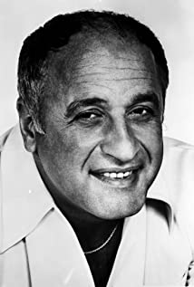 Vic Tayback Picture