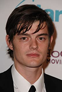 Aktori Sam Riley