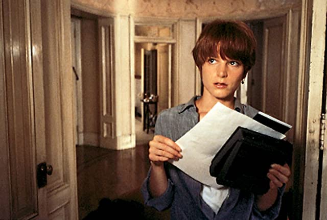 Bridget Fonda in Single White Female (1992)