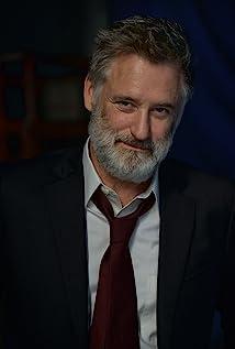 Aktori Bill Pullman