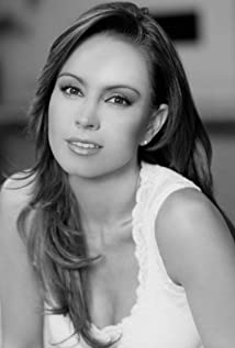 Alejandra Barros Picture
