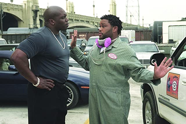 Anthony Anderson and Lester Speight in Cradle 2 the Grave (2003)