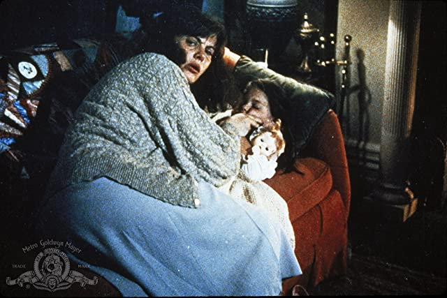 Lois Smith in Twisted (1986)