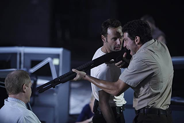 Noah Emmerich, Andrew Lincoln, and Jon Bernthal in The Walking Dead (2010)