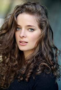 Aktori Erika Kaar