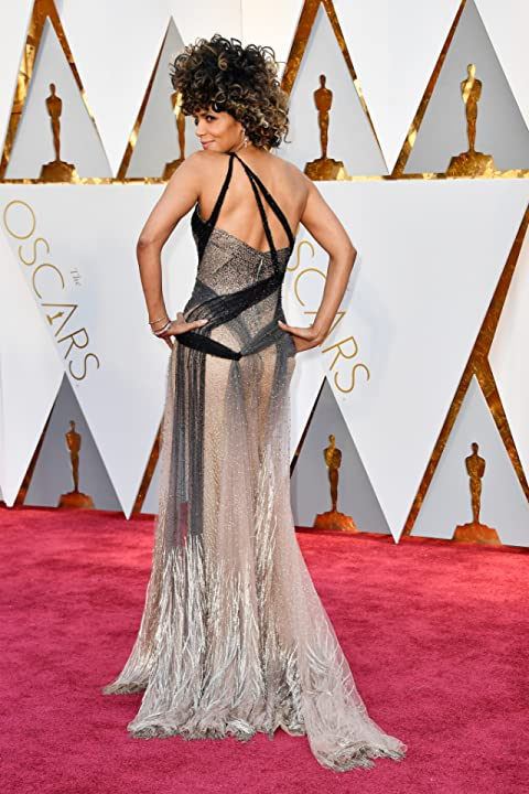 Halle Berry at an event for The 89th Annual Academy Awards (2017)