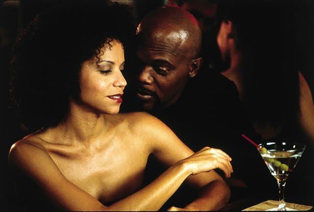 Samuel L. Jackson and Gloria Reuben in Shaft (2000)
