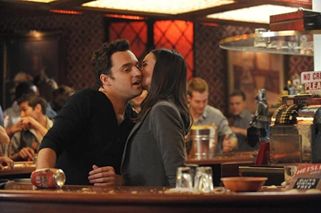 Odette Annable and Jake Johnson in New Girl (2011)