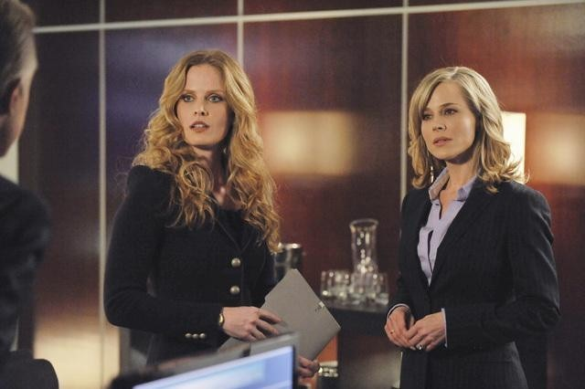 Julie Benz and Rebecca Mader in No Ordinary Family (2010)