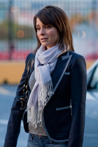 Life Unexpected - Shiri Appleby - Film Review Online
