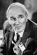 Desmond Llewelyn's primary photo