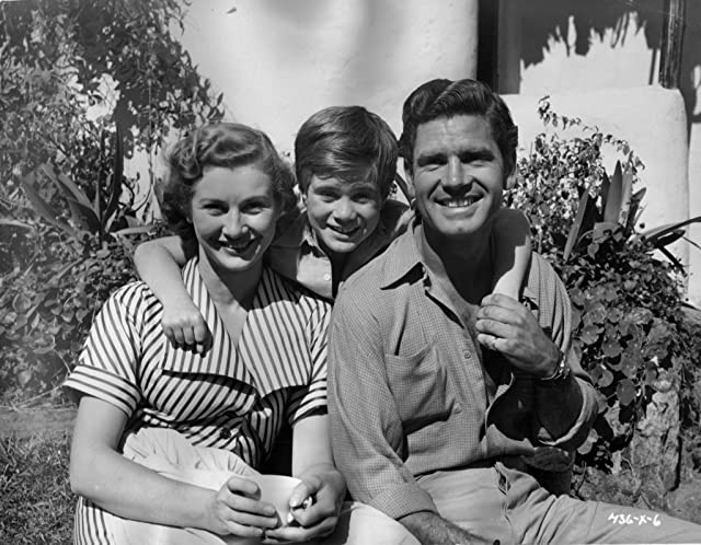 Dinah Sheridan, William Simons, and Anthony Steel at Ivory Hunter (1951)