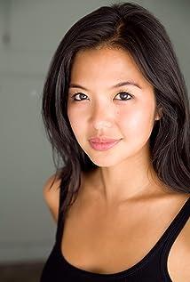 Aktori Jenn Liu