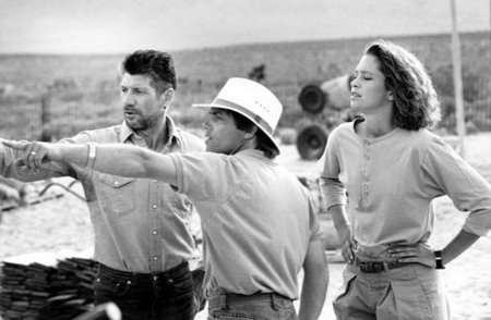 FRED WARD, Director RON UNDERWOOD and FINN CARTER on the set of TREMORS.