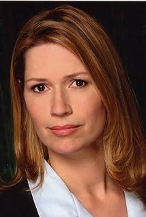 Joanna Bennett Picture