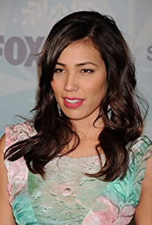 Michaela Conlin earned a  million dollar salary, leaving the net worth at 4 million in 2017
