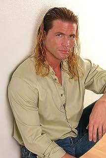 Aktori Travis Watters