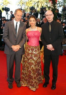 Steven Soderbergh and Aishwarya Rai Bachchan at Fanfan (2003)