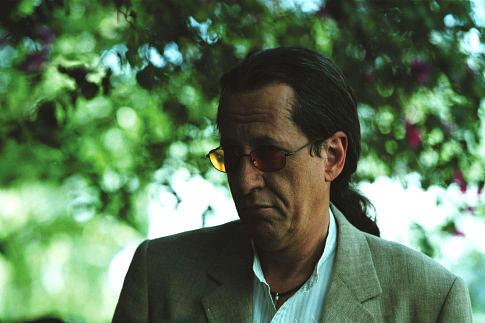 Geoffrey Rush in Intolerable Cruelty (2003)