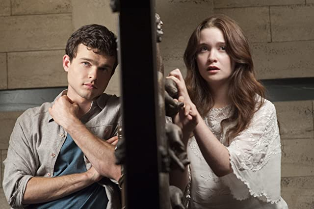 Alice Englert and Alden Ehrenreich in Beautiful Creatures (2013)