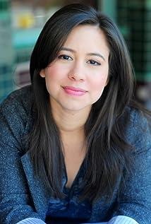 Aktori Chloe Wepper