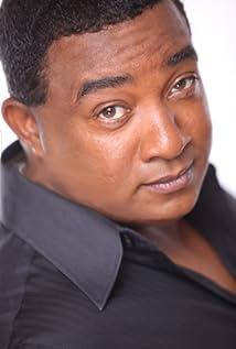 Aktori Stevie Mack