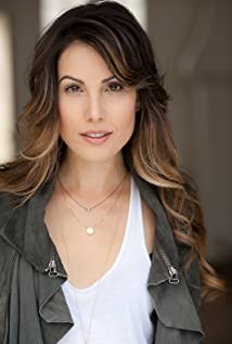 Carly Pope Picture