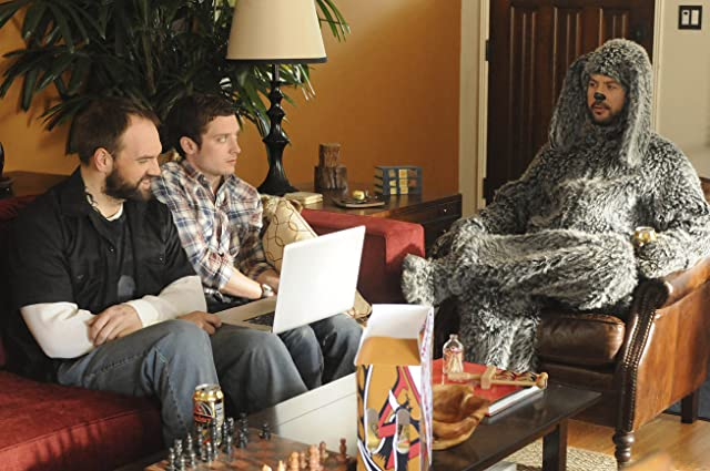 Elijah Wood, Ethan Suplee, and Jason Gann in Wilfred (2011)