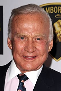 Aktori Buzz Aldrin
