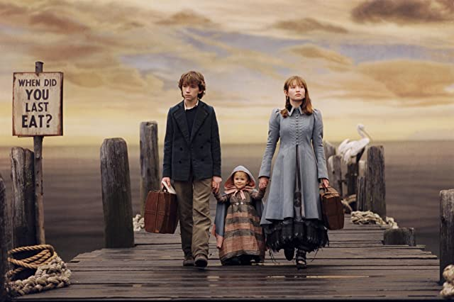 Liam Aiken, Emily Browning, and Shelby Hoffman in A Series of Unfortunate Events (2004)