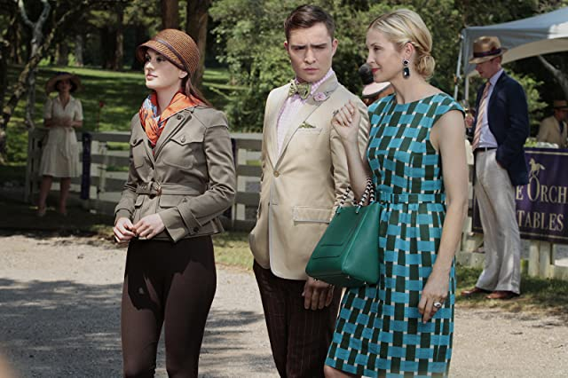 Kelly Rutherford, Leighton Meester, and Ed Westwick in Gossip Girl (2007)