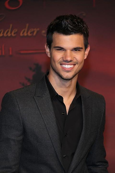Taylor Lautner at The Twilight Saga: Breaking Dawn - Part 1 (2011)