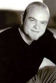 Aktori Michael Adamthwaite