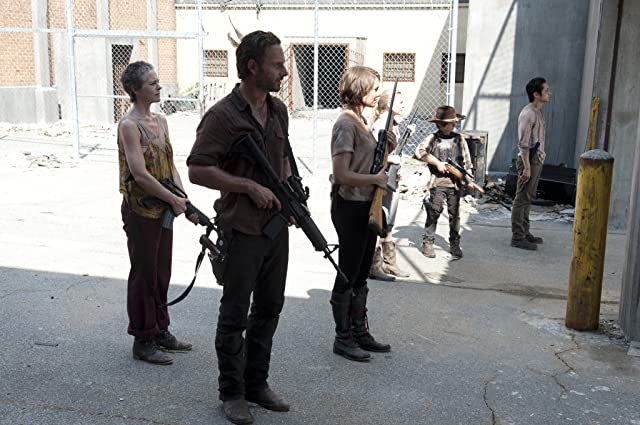 Andrew Lincoln, Melissa McBride, Lauren Cohan, Emily Kinney, Steven Yeun, and Chandler Riggs in The Walking Dead (2010)