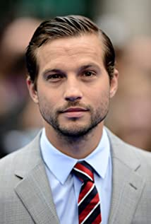 Aktori Logan Marshall-Green