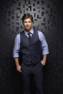 Drew Van Acker wears  (Suit )