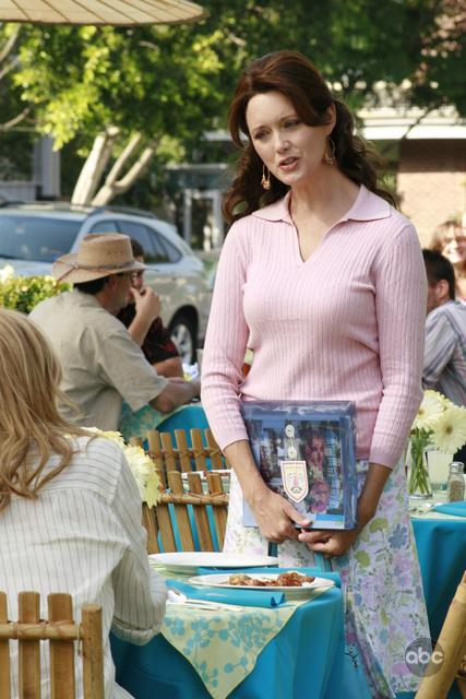 Julia Campbell in Desperate Housewives (2004)