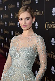 Lily James Picture