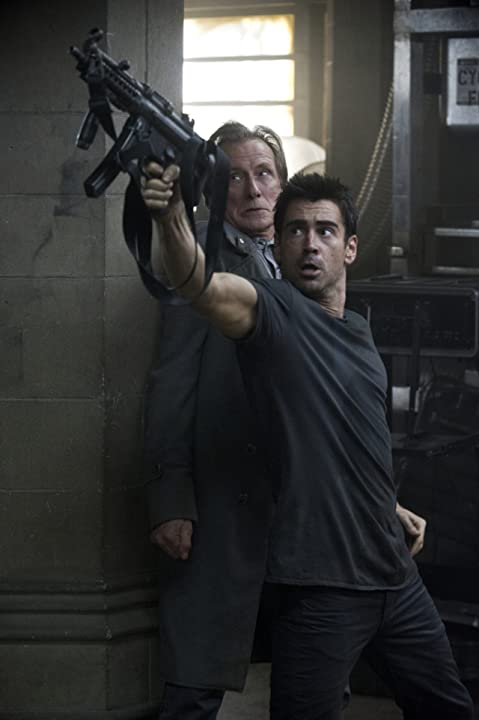 Colin Farrell and Bill Nighy in Total Recall (2012)